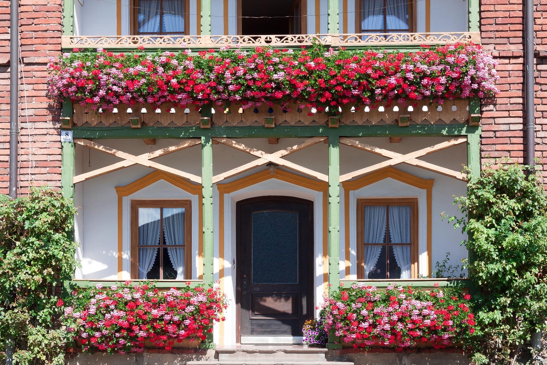 Balcone fiorito a costo zero video su raiuno autoproduciamo - Giardino in balcone ...