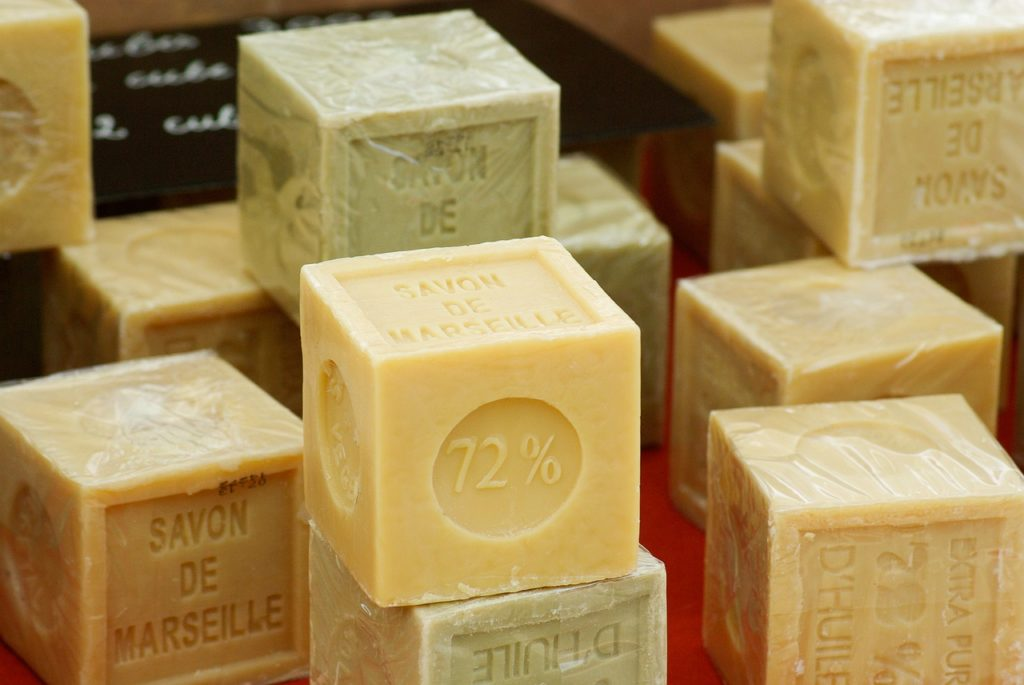 Antiparassitari naturali: sapone di marsiglia