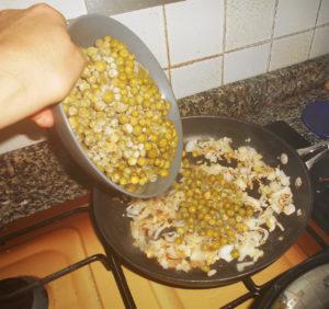Burger vegan - Piselli e cipolle
