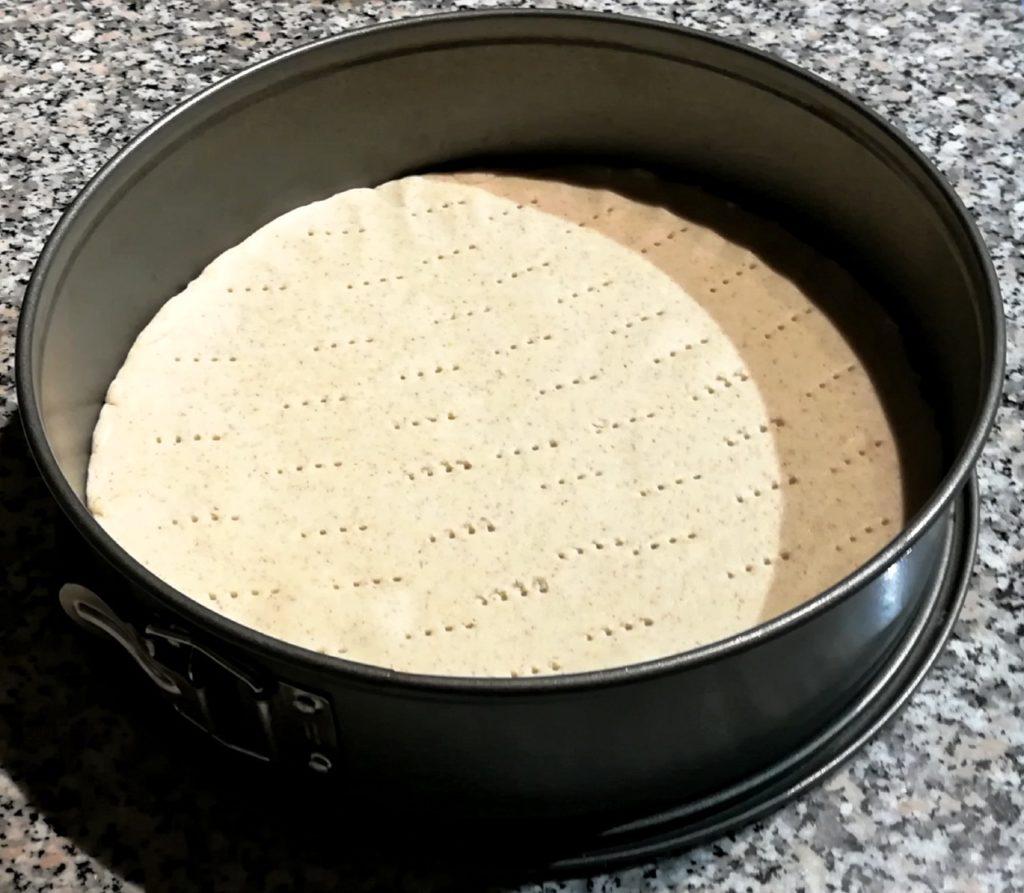 Torta di verza ed orzo - Pasta bucherellata