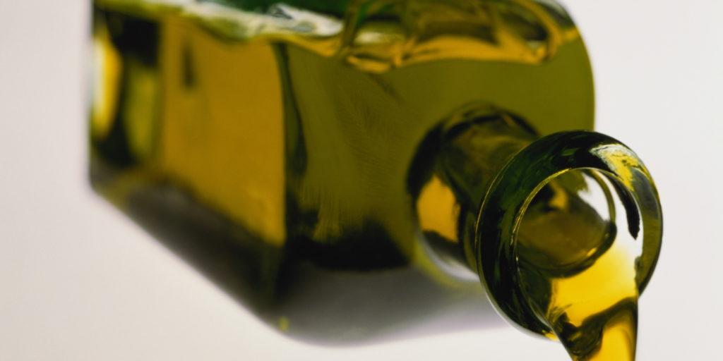 Pulire le bottiglie - Olio