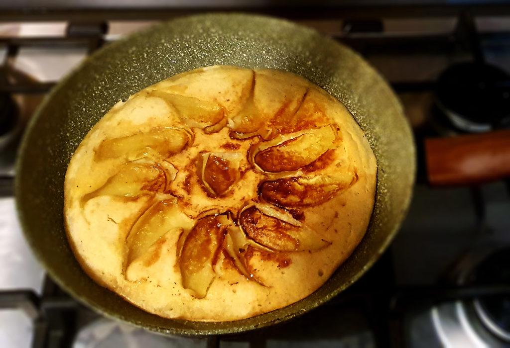 Torta di mele in padella - Lucia Cuffaro - Autoproduciamo