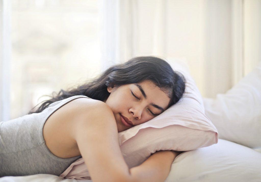 Alimenti che agevolano il sonno