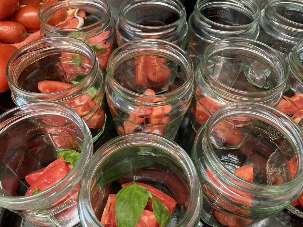 Pomodori peretti a pezzi - Strati